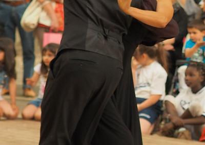 Ana e Mirko durante un'esibizione