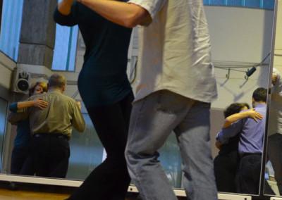Ana e Mirko durante una lezione